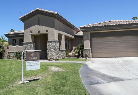 Cash Offers for Palm Springs Homeowners to Sell their Houses at a Discounted Price